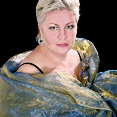 Лариса Сазонова