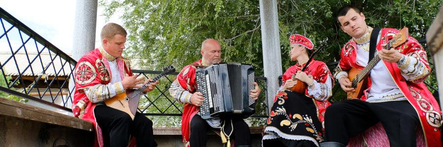 Ансамбль «Былина» выступит в летнем дворике Дома купца Тетюшинова